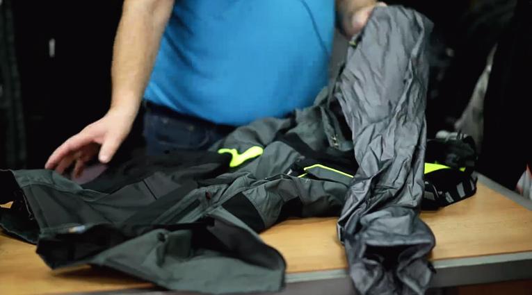 Kalhoty na motorku